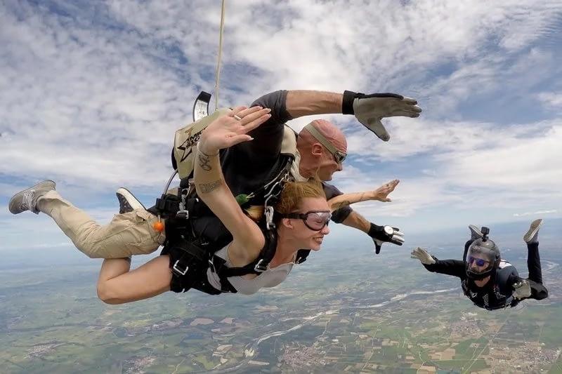 lanci con paracadute biposto tandem